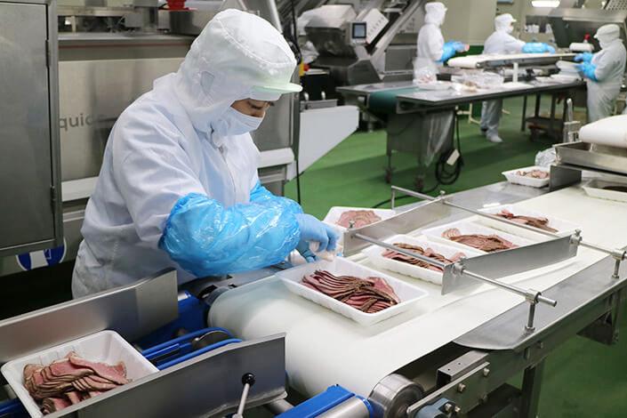 ●[契約社員2] デリカ工場翔 製造 ローストビーフの製造staff